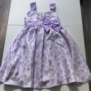 Beautiful formal girls dress in great condition!